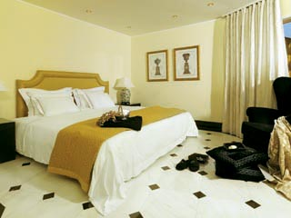 1 Bedroom Suite with Sharing Pool- Bedroom