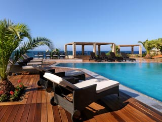 Oh! All Suite, Safran Pool Restaurant & Bar