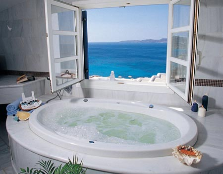 Mykonos Grand Hotel - Jacuzzi-Bathroom