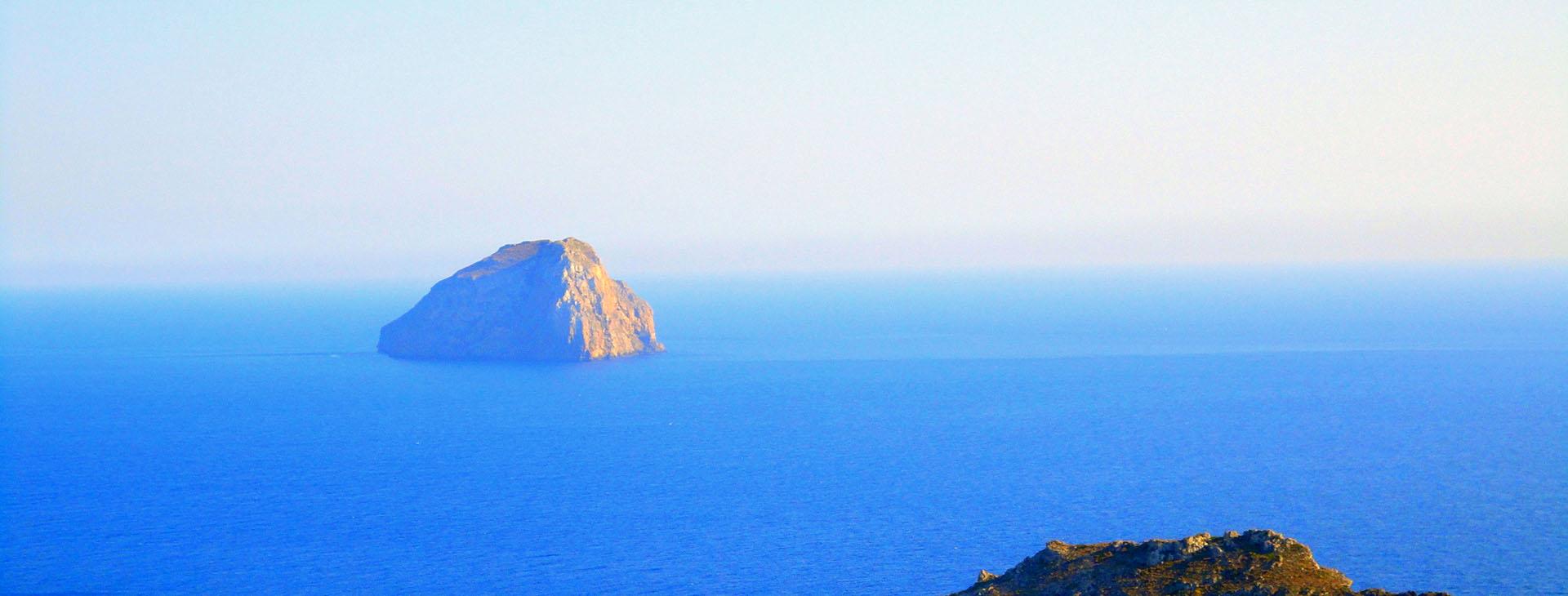 Hytra islet, Kythira island