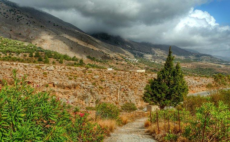 Walking Tour through the Imbros Gorge