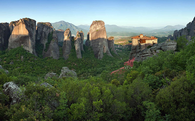 Day Trip to Meteora Monasteries from Chalkidiki