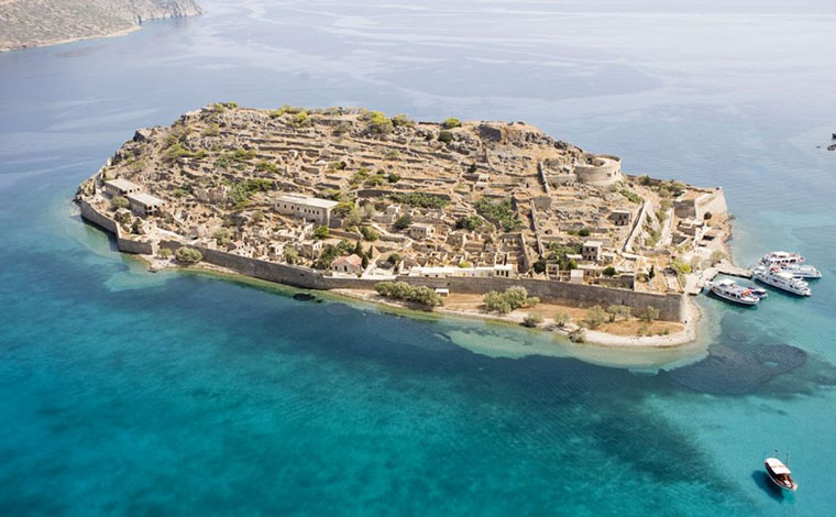 Spinalonga - the island of tears with BBQ included