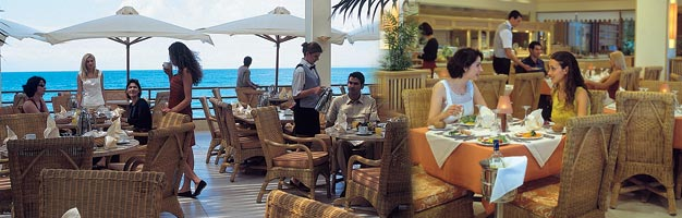 Exclusive Beautiful Bars And Restuarants In Sani Beach Club Resort